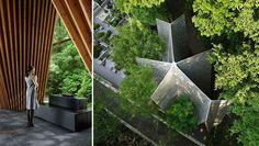 ARQUITETURA - A Sayama Forest Chapel é um prédio projetado por Hiroshi Nakamura & NAP. Visto de cima, ele parece tanto com uma estrela, quanto um conjunto de mãos unidas em oração - uma forma tradicional japonesa de arquitetura, chamada Gassho-zukuri. Toda a arquitetura do local convida a natureza a invadi-la. Suas paredes inclinadas para dentro permitem que a vegetação da floresta cresça em torno de sua estrutura.