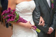 Brautstrauß lila Calla - Bildergalerie Bridal bouquet with purple calla Cascading Wedding Bouquets, Rose Wedding Bouquet, Bride Bouquets, Wedding Flowers, Long Stem Flowers, Wedding Flower Design, Alternative Wedding, Brides And Bridesmaids, Pageant