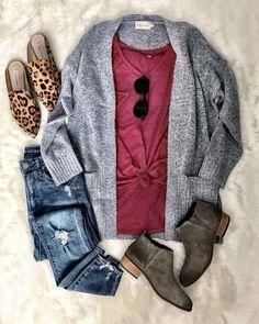 Fashion Tips Outfits .Fashion Tips Outfits Grey Sweater Outfit, Sweater Outfits, Casual Outfits, Cute Outfits, Fashion Outfits, Womens Fashion, Gray Cardigan, Sporty Fashion, Woman Outfits