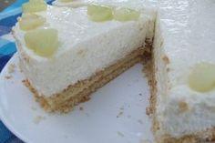 Tort alb cu pepene galben - Culinar.ro Romanian Desserts, Russian Desserts, Sweet Desserts, Vanilla Cake, Cheesecake, Deserts, Beverages, Ice Cream, Vegetarian