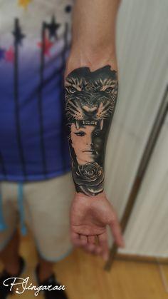 wommen tiger tattoo