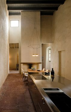 Geometrie sospese fanno luce. Lampade a sospensione come poesie. | Suspended light Geometries. Lamps such as poems.