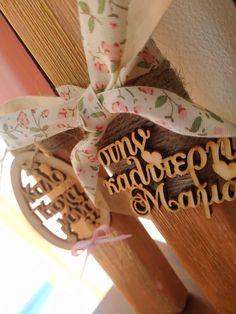 Χειροποίητες πασχαλινές λαμπάδες με αρωματικο κερί σε χρώμα ροζ χρυσό και με υοεροχα ξυλινα διαξισμητικα που θα μεινουν για πάντα!