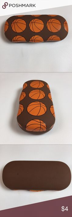 BASKETBALL CHILDREN'S EYE GLASS CASE GENTLY USED BASKETBALL EYE GLASS CASE FOR CHILDREN'S EYEGLASSES  HAS MINOR WEAR AND A FEW TINY SCRATCH MARKS ON THE FRONT  ON THE BACK, HAS SMALL PEN MARK  SMOKE-FREE-HOME Accessories