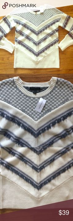 ⚡️FLASH⚡️Banana Republic Chevron Fringe sweater Super cute navy and cream cotton based sweater. Adorable details and trendy fringe. Great for a pullover on a summer night! Fabulous reviews but no longer available online. Banana Republic Sweaters Crew & Scoop Necks