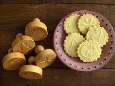 Babette: Karácsonyi omlós keksz...a Páte sablée dícsérete Sweet Cookies, Cookie Jars, November, Sweets, Cheese, Eat, Food, Kitchen Things, Christmas Recipes