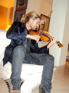 David Garrett~ just gotta love those boots!!!! Love, love, love this pic, Jenn!