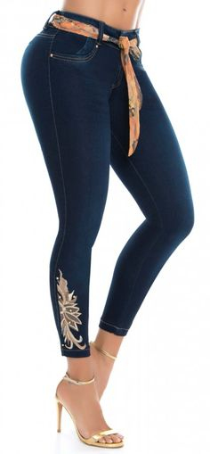 Jeans levanta cola WOW 86484 Azul Denim Fashion, Fashion Outfits, Denim Jeans, Skinny Jeans, Only Jeans, Fancy Gowns, Bollywood Girls, Business Outfits, Girls Jeans