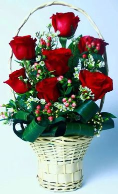 Valentine's Day Flower Arrangements, Christmas Arrangements, Beautiful Rose Flowers, Exotic Flowers, Cemetery Flowers, Valentines Flowers, Victorian Flowers, Flower Boxes, Photos