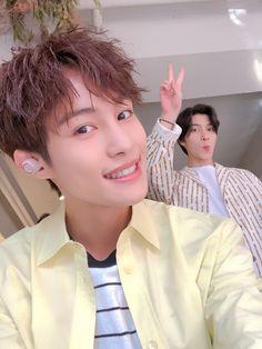 [Yangyang Weibo update] with Hendery Yang Yang, Extended Play, Winwin, K Pop, Nct 127, Nct Debut, Yangyang Wayv, Kpop Groups, Taeyong