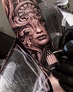 Tattoo em preto e cinza - Tatuagem no estilo realismo em preto e cinza criada pelo tatuador La meilleure image selon - Realistic Tattoo Sleeve, Forearm Sleeve Tattoos, Best Sleeve Tattoos, Star Sleeve Tattoo, Badass Tattoos, Body Art Tattoos, Cute Tattoos, Tattoo Ink, Aztec Tattoo Designs