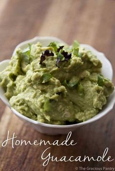These clean eating chips and guacamole are the perfect snack on the go! Delicious and perfect for a crowd of guacamole lovers! Healthy Eating Tips, Healthy Cooking, Healthy Snacks, Healthy Recipes, Dip Recipes, Mexican Food Recipes, Real Food Recipes, Cooking Recipes, Clean Eating Recipes