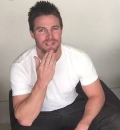 Stephen Amell...is a delicious man ❤️❤️