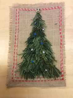 School Art Projects, Art School, Diy Christmas Tree, Needle And Thread, Art Lessons, Reindeer, Burlap, Textiles, Homemade