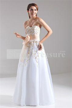 Beautiful Sleeveless White Apple Floor-Length A-Line Prom Dresses