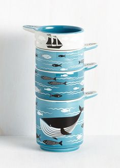 A delightful set of measuring cups.