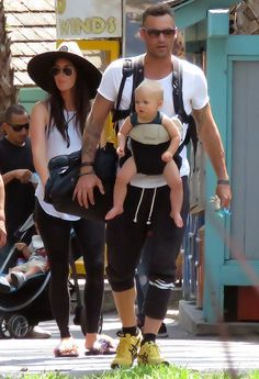 Gang's all here! The 30-year-old talent and 43-year-old hubby took sons Noah, Bohdi and Jo...