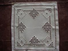 Hardanger Deckchen Handarbeit sticken neu Stoff Garn beige Zierde Tisch