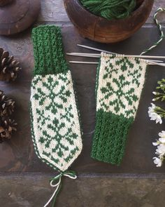 Knitted Mittens Pattern, Knit Mittens, Knitted Gloves, Knitting Patterns, Drops Design, Hygge, Diy And Crafts, Knit Crochet, Stitch