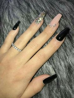 Feb 24 2020 - 28 Casual Acrylic Nail Art Designs Ideas To Fascinate Your Admirers : Page 21 of 28 : Creative Vision Des. Black Coffin Nails, Matte Black Nails, Black Nail Art, Stiletto Nails, Nail Art Designs, Black Nail Designs, Acrylic Nail Designs, Nails Design, Maroon Nail Designs