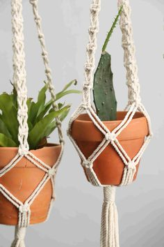#macrameplanthanger #macramelove #macramemaker #macramesupply #hangingplanter #planthanger #handmade #vintage #etsyfinds #etsy #macramewallhanging #bohodecor #vintagemacrame #ropeplanthanger #crochetplanthanger #spiralmacrame #decorativeplanter #houseplants #plantlovergifts #giftsforher #macramehanger #verticalplanthanger #gardening #verticalgardening #macrameideas #macrameprojects #wallplanter #crafts #balckmacramecords #blackplanter #blackhanger Window Planters, Hanging Planters, Macrame Supplies, Floating Garden, Boho Vintage, Macrame Plant Hangers, Black Walls, Modern Boho, Plant Holders