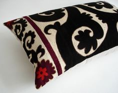 Sukan / Floral Hand Embroidered Vintage Suzani Pillow Cover, 25x16 inch