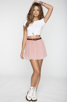 perfect outfit! dr martens <3