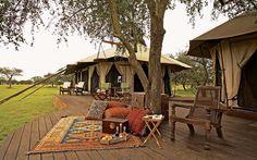 Singita Sabora Tented Camp, na Tanzânia: apontado como um dos melhores lugares para uma aventura de vida selvagem, este glamping fica na área mais reservada e intocável da Reserva Grumeti da Tanzânia. Possui 9 quartos com infraestrutura suficiente para trazer total conforto