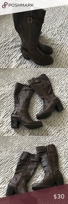 White mountain brown ladies boots size M Treat yourself to a beautiful pair of brown ladies boots size Shipped with USPS priority Mail White Mountain Shoes White Mountain Shoes, Ladies Boots, Plus Fashion, Fashion Tips, Fashion Trends, Priority Mail, Combat Boots, Pairs, Best Deals