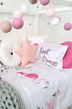 Flamingo bedding set and toys basket to buy on Etsy - HappySpacesWorkshop -childrens bedding set, girls room, girls room inspiration, pink girls room, kidsroom decor, kidsroom decor ideas, pink kidsroom, flamingo kidsroom