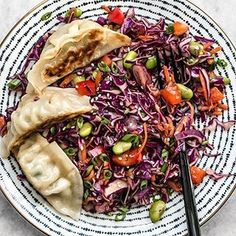 My absolutely perfect lunch from yesterday — Sesame Slaw topped with a few gyoza (the gyoza are from Trader Joes tho ). The recipe for Sesame Slaw is on the blog now! Or tap the link in my profile to go to the recipe Budget Bytes | Delicious Recipes for Small Budgets . . #slaw #cabbage #cabbagesalad #cabbageslaw #salads #saladideas #saladideas #saladgoals #saladlunch #saladlife #sesame #sesameoil #sesameseeds #edamame #edamamebeans #lunchideas #lunchinspo #feedfeed #f52grams #huffposttaste #thekitchn #buzzfeedfood #buzzfeast...