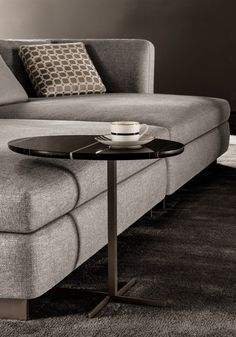 Designed to match the armchairs and sofas in the new collection, this elegant table pairs a sleek base in Bronzed metal with a luxurious marble top. The Joy side table is available in a new version w…
