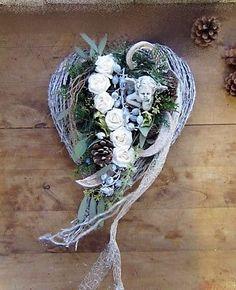Grabgesteck Allerheiligengesteck Cemetery All Saints Heart 50 cm, Angel Grey Stone, All Saints, Natural Materials, Flower Designs, Floral Arrangements, Flowers, Christmas, Crafts, Decor