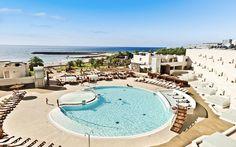 HD Beach Resort på Lanzarote er det perfekte hotel til dig som elsker at træne, og at fylde dagene op med aktiviteter som spinning, aerobics, cykling, beach volley, tennis og vandsport. Se mere på http://www.apollorejser.dk/rejser/europa/spanien/de-kanariske-oer/lanzarote/costa-teguise/hoteller/hd-beach-resort