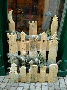 hallo bieten hier eine weihnachtsdeko aus alten paletten an handgefertigtes weihnachtsdeko. Black Bedroom Furniture Sets. Home Design Ideas