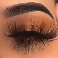 Evanna Lashes Mink Lashes are one of the most popular styles recent years,they are designed by several famous designers in the field of fashion. Eyelash Extensions Styles, Mink Lash Extensions, Eyelash Studio, Hair Ponytail Styles, Eyelash Sets, Eye Makeup Art, Eyelash Curler, Crazy Makeup, Long Lashes