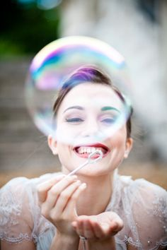 Use of bubbles - photoshoot and wedding Blowing Bubbles, My Bubbles, Heart Bubbles, Wedding Blog, Wedding Photos, Dream Wedding, Bubble Fun, Bubble Magic, Bubble Balloons