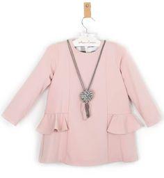 Vestido niña rosa empolvado con collar de Rochy   Aiana Larocca
