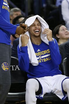 Golden State Warriors' Stephen Curry laughs on the bench during the first half against the Portland Trail Blazers in a NBA game at Oracle Arena in Oakland, Calif., on Friday, March 11, 2016. Photo: Tony Avelar, Special To The Chronicle