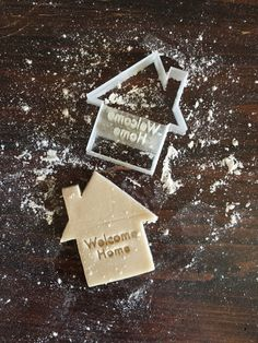Image of Welcome Home Cookie Cutter Stamp Welcome Images, Welcome Home, Cookie Decorating, Cookie Cutters, Cake Toppers, Stamp, Cookies, Sugar, Dog