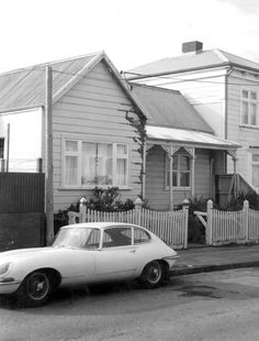 Location: Te Aro | Collection: Charles Fearnley | Read the full record details for Photograph: 12 Arthur Street, Te Aro New Zealand, Photograph, Street, Collection, Photography, Photographs, Roads, Fotografia, Fotografie