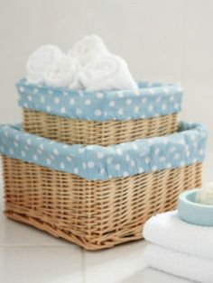 DIYinstructions to make lining for wicker baskets !!