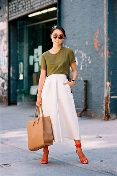 Pantacourt: perfeita para o verão, a calça de alfaiataria na versão cropped encontra o melhor dos dois mundos - uma peça solar e formal ao mesmo tempo.