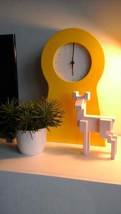 #interieur #interieus #decoreren #Ikea #klok #roze #geel