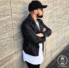 Check out Clean look by Tag us in your pictures for a chance to get featured. For daily fashion Fashion Moda, Urban Fashion, Daily Fashion, Mens Fashion, Fashion Guide, Dope Outfits, Fashion Outfits, Ootd Fashion, Pretty Girl Swag