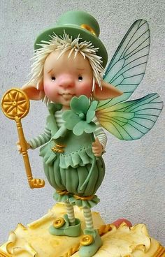 "Leprachaun Fairy.  Imayara Pascual ""Creativa di porcellana fredda"""