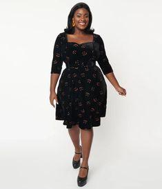 Collectif Plus Size Black Velvet & Pumpkin Glitter Eliana Swing Dress Orange Glitter, Velvet Pumpkins, Cocktail Attire, Vintage Closet, Retro Costume, Swing Skirt, Trendy Clothes For Women, Model Pictures, Modern Outfits