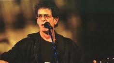 Muere Lou Reed. El cantante, considerado el padre del rock alternativo, ha fallecido a los 71 años tras un reciente trasplante de hígado