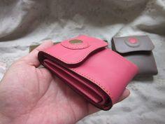 三つ折り革財布 Tri-fold wallet (9 card slots)