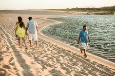 Alguns vão acompanhados ...outros retornam sozinhos...caminhos iguais , destinos diferentes. #Sunsetmacaé #sunsetbrasil #sunsetimboassica #macaé #jhfotos #joaohenrique #vipsfotos #amor #caminhos #praiadopecado